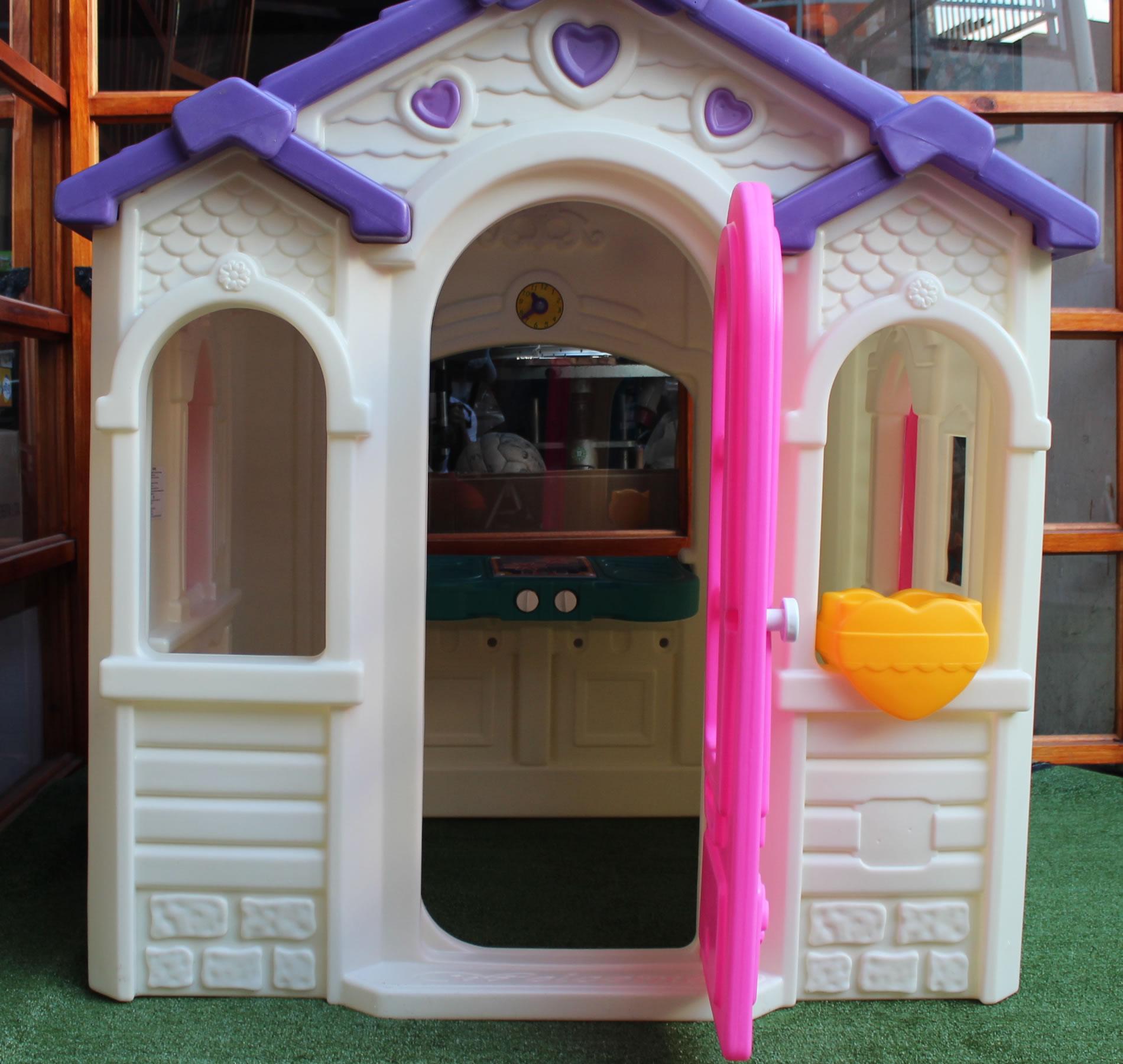 Casa de mu ecas corazones promolibros for Casa infantil jardin